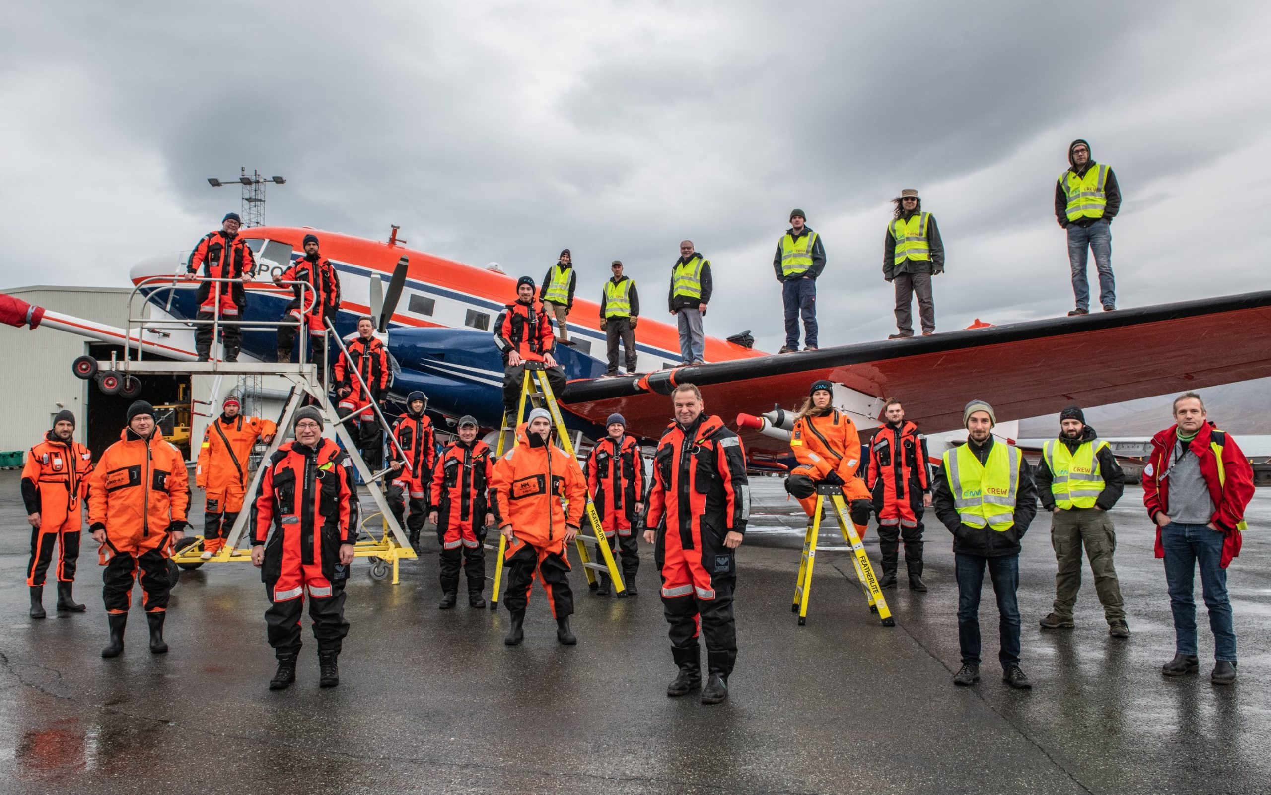 MOSAiC airplane campaign team photo with atmospheric and sea ic team at Longyearbyen.