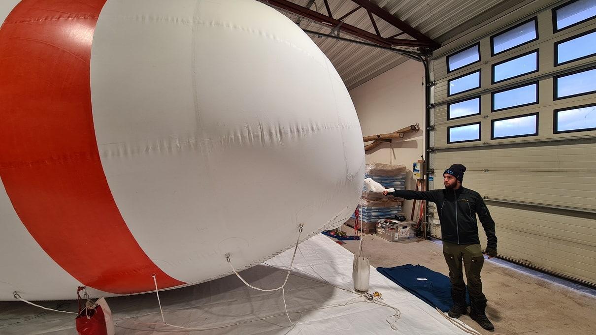 Beluga Fesselballon mit Wal und Michael Lonardi